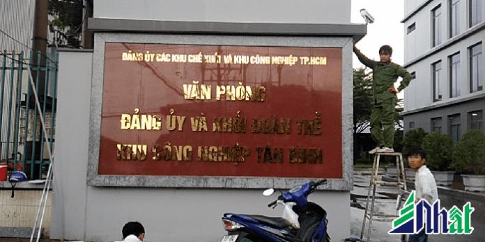 bảng hiệu đá hoa cương bảng hiệu chữ nổi cho khách hàng