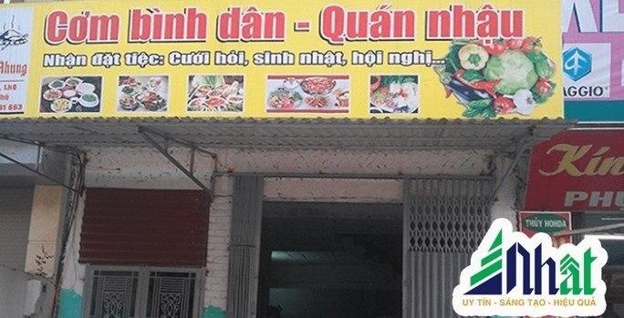 Bảng hiệu quán ăn bình dân