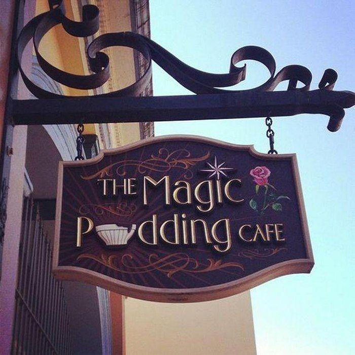 Mẫu bảng hiệu quan cafe The Magic Padding Cafe