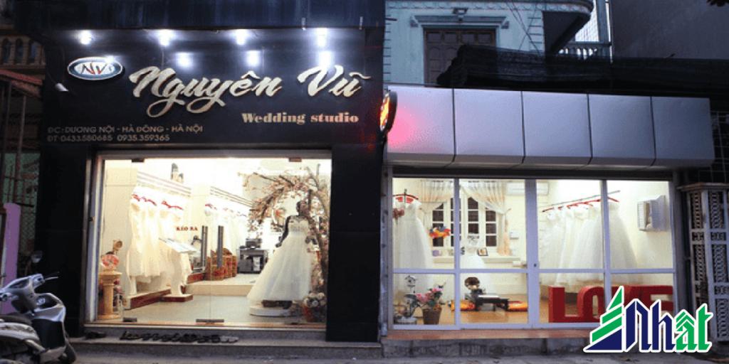 Bảng hiệu wedding studio áo cưới mica chữ nổi
