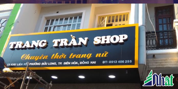 Bảng hiệu cửa hàng thời trang