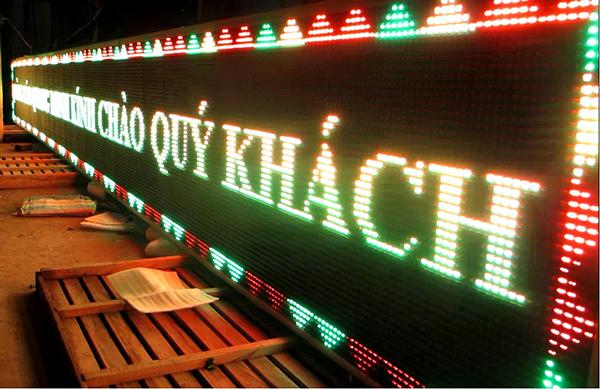 biển quảng cáo LED ngoài trời bảng hiệu led chạy chữ