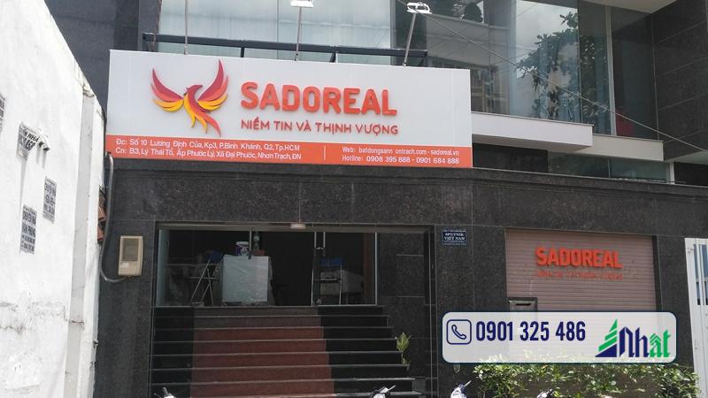 bảng hiệu tòa nhà